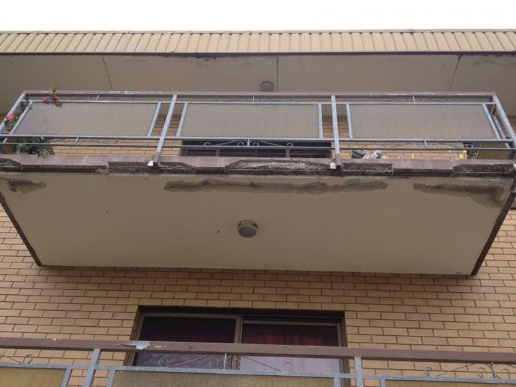 Balcone danneggiato