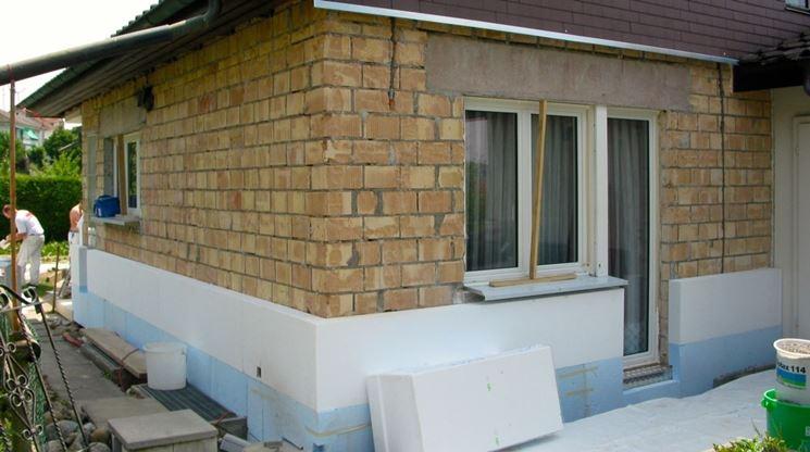 Cappotto termico materiali da isolamento isolare con for Opzioni materiale esterno casa