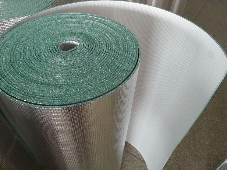 Rotolo di materiale isolante