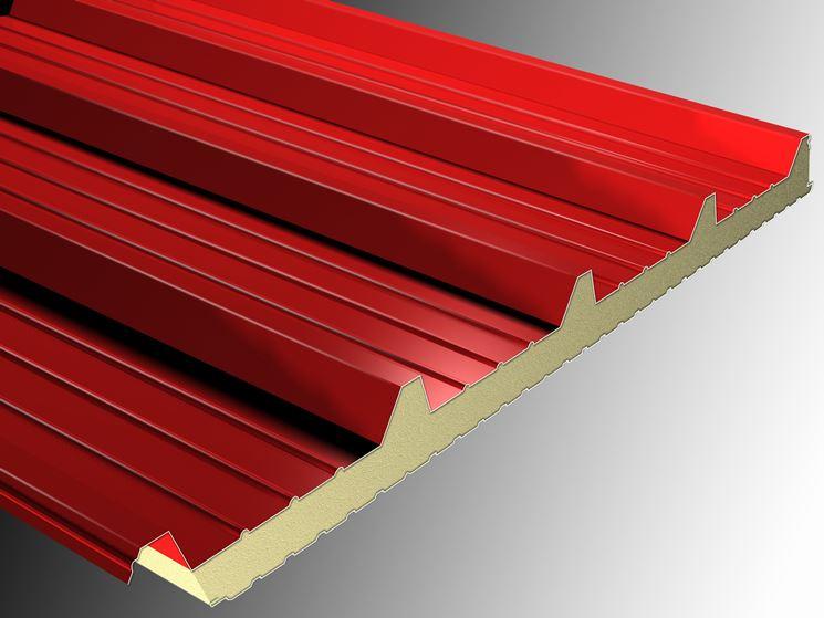 Esempio di pannello coibentato per tetti