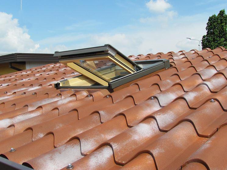 Coperture coibentate per tetti rivestimento tetto for Pannelli finto coppo coibentati prezzi