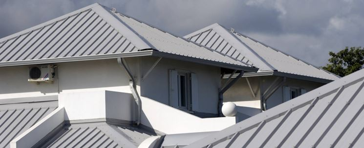 esempio di tetto in metallo