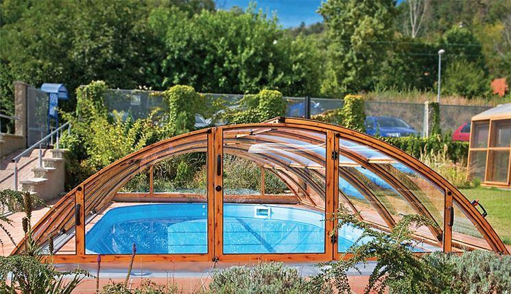 Copertura telescopica in legno per piscina