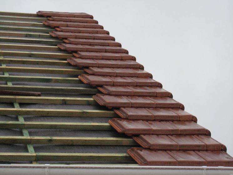 Copertura di un tetto con marsigliesi