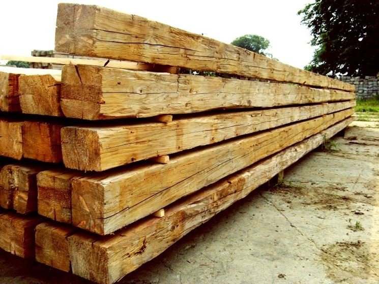 Alcune travi in legno