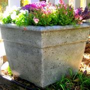 Fioriera da giardino in cemento