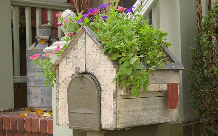 Fioriere in legno vasi per piante scegliere le for Fioriere fai da te