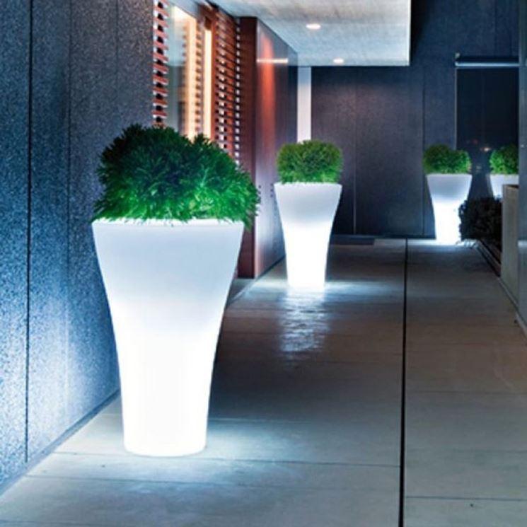 Vasi da esterno vasi per piante modelli vasi da esterno for Vasi per piante da interno moderni