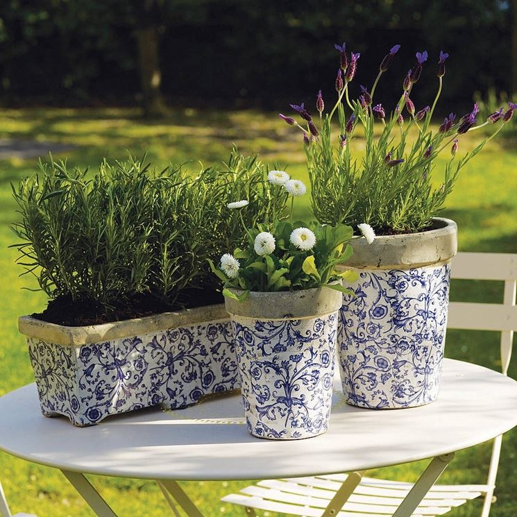 Vasi da giardino vasi per piante tipologie di vasi per for Piante profumate da giardino