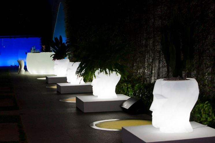 Vasi esterno design vasi per piante vasi per piante for Vasi da arredamento design