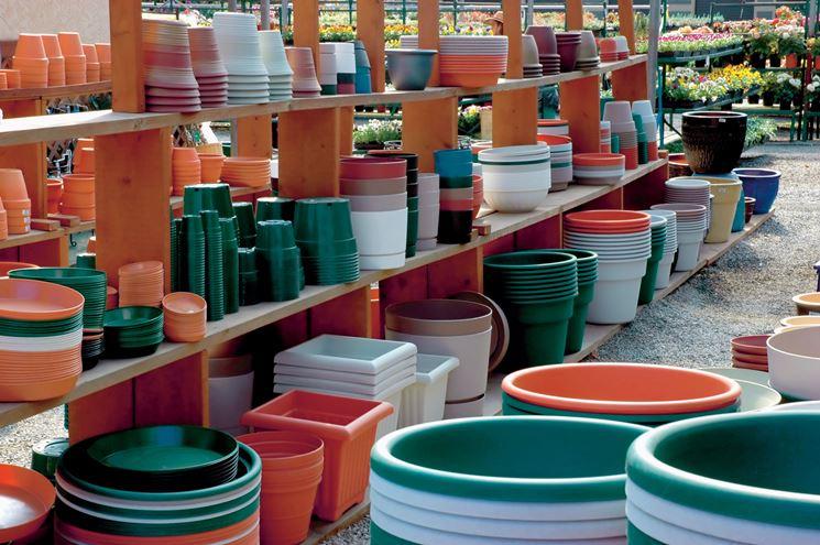 Vasi per piante in plastica vasi per piante for Vasi rettangolari plastica